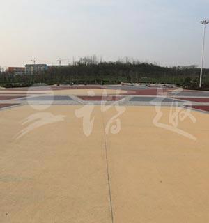 南京浦口老龙山公园透水混凝土广场
