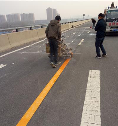 郑州高铁站标牌安装