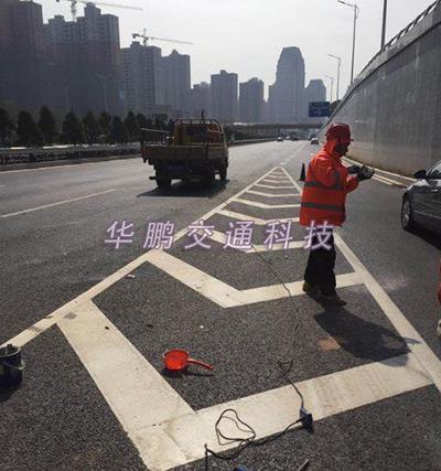 南昌交通设施:路面划线案例