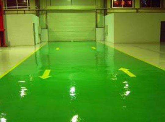 如何提升环氧薄涂型地坪漆面的抗腐蚀效果