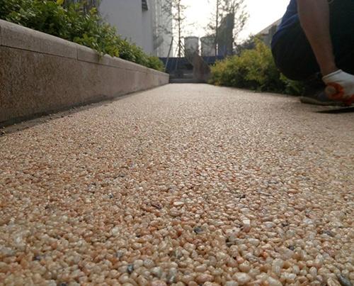原生态胶粘石地坪