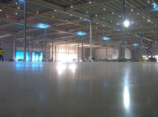 耐磨地坪表面出现缩孔怎么办?