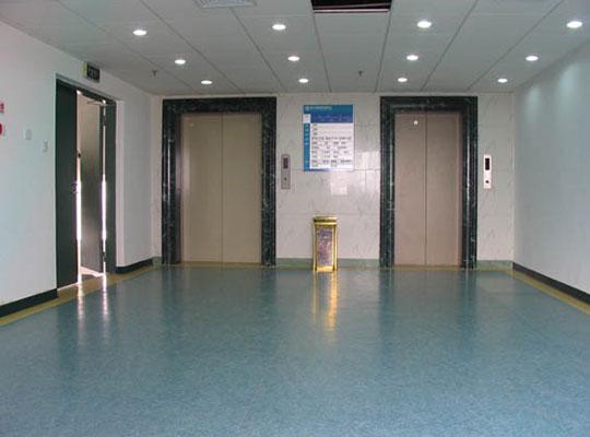 四川地坪厂家浅析PVC地板和PVC防静电地板的区别在哪里?