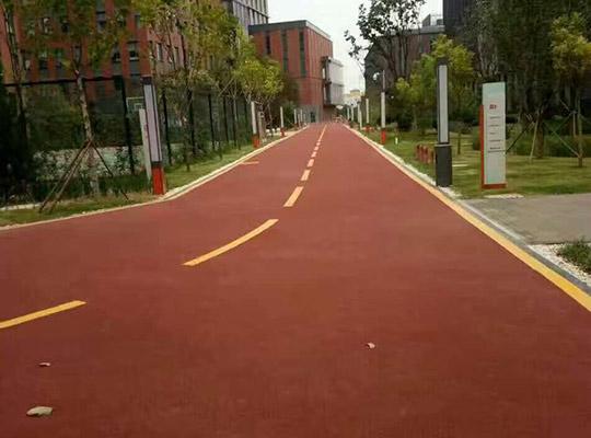 彩色防滑路面应用在人行横道上