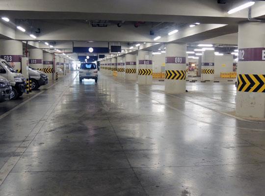 停车场混凝土固化剂地坪养护技巧