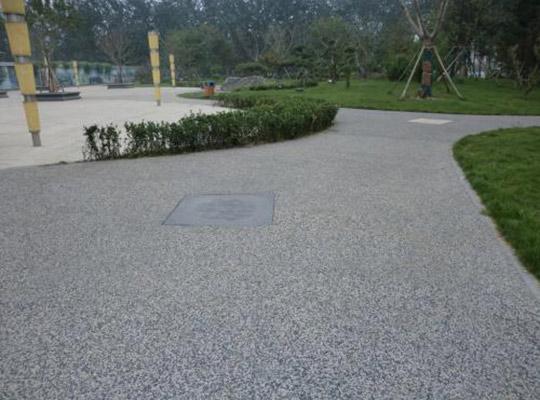 露骨料透水混凝土路面