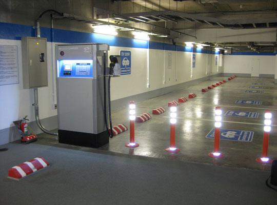 地下停车场常常选用环氧树脂地面装修的方法